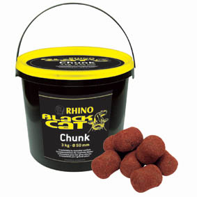 Sumcové boilies Black Cat Chunks 3kg
